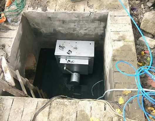 防倒灌截污装置